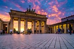 BERLIM, ALEMANHA - 23 DE SETEMBRO DE 2015: Tor famoso de Brandenburger Fotografia de Stock Royalty Free