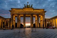 BERLIM, ALEMANHA - 23 DE SETEMBRO DE 2015: Tor famoso de Brandenburger Imagem de Stock