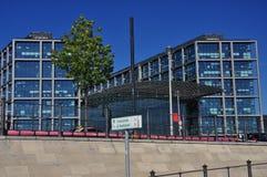 Berlim, Alemanha. Estação de comboio central imagem de stock royalty free
