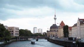Berlim - 21 de agosto: Fechado disparou para baixo de Berlim e do rio filme