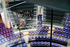 berlim Em março de 2013 Excursão no salão para um forro de Reichstag imagem de stock