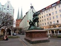 Berlim - estátua de St George imagem de stock royalty free
