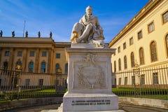 Berlin Alexander Humboldt minnesmärke i Tyskland fotografering för bildbyråer