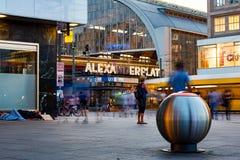 Berlin Alexander Place nachts Lizenzfreies Stockfoto