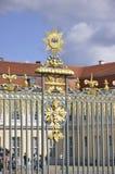 Berlin, Allemagne 27 août : Le symbole royal de la barrière du palais de Charlottenburg de Berlin en Allemagne Photographie stock libre de droits