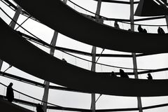 BERLIN, ALLEMAGNE - 17 décembre 2017 : Vue intérieure de dôme dans le bâtiment de Reichstag Photographie stock libre de droits