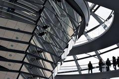 BERLIN, ALLEMAGNE - 17 décembre 2017 : Vue intérieure de dôme dans le bâtiment de Reichstag Photo stock