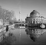 BERLIN, ALLEMAGNE, FÉVRIER - 15, 2017 : Le Bodenmuseum au-dessus le de la rivière et du Frensehturm de fête Photos stock