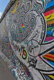BERLIN, ALLEMAGNE - JUILLET 2015 : Graffiti de Berlin Wall vu le 2 juillet Photos libres de droits