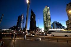 Berlin, bâtiments par nuit images stock