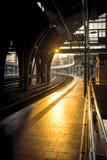 Berlin-Bahnstationshintergrundbeleuchtung Lizenzfreie Stockfotografie