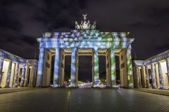 Berlin Brandenburg-de Piek van poortbrandenburger bij zonsondergang Royalty-vrije Stock Foto's