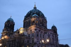 Berlin Cathedral bij schemer Royalty-vrije Stock Fotografie