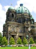 Berlin Cathedral, gehalten von der protestierenden Versammlung Stockfoto