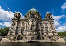 Berlin Cathedral, un esempio fine di architettura immagine stock