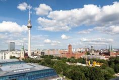 Berlin City Hall och TVtorn Fotografering för Bildbyråer