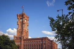 Berlin City Hall Rote Rathaus på Alexanderplatz royaltyfri bild