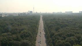Berlin Cityscape aéreo almacen de metraje de vídeo