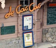 Berlin, Deutschland. Eingang zum französischen Café Lizenzfreie Stockfotos