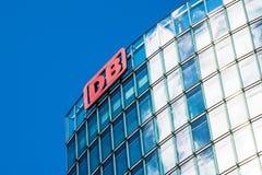 BERLIN, DEUTSCHLAND - 22. JUNI 2016: Hauptsitze von Deutsche Bahn lizenzfreie stockfotografie
