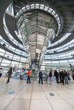 BERLIN, DEUTSCHLAND - 26. SEPTEMBER 2012: Innerhalb der Kuppel des Reichstag-Gebäudes in Berlin, Deutschland Stockfoto