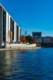 Berlin durch den Fluss Stockbild