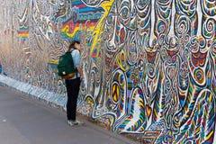 Berlin East Side Gallery-Grafik Stockfoto