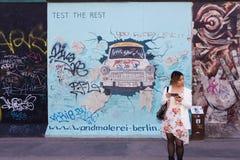 Berlin East Side Gallery-Grafik Stockbild