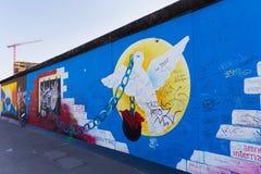 Berlin East Side Gallery-kunstwerk Stock Fotografie