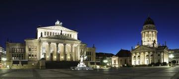 berlin gendarmenmarktnatt Arkivfoton