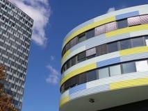 2014 Berlin Germany, de gekleurde moderne bouw Stock Fotografie