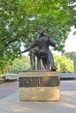 berlin germany En monument till poeten Heinrich Heine i den nationella Fridrikhskhaynen parkerar Fotografering för Bildbyråer