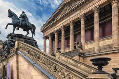 Berlin Germany opinión del 10 de julio de 2018 desde un punto de vista bajo en una parte de la escalera ingenioso hecha a mano, y imagen de archivo