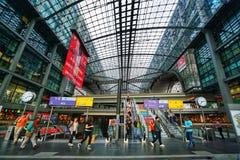 Berlin Hauptbahnhof Central Station stock afbeeldingen