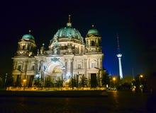 Berlin-Kathedrale bis zum Nacht Stockfoto