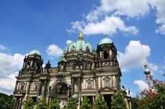 Berlin-Kathedrale im Sommer Stockbild
