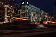 Berlin Kurfà ¼stendamm på natten med ljus Royaltyfri Bild