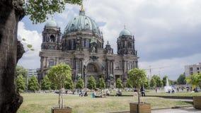 Berlin Landmark: Vieja arquitectura en un parque Fotos de archivo libres de regalías