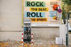 Berlin, le 1er octobre 2017 : Un endroit spécial pour les véhicules électriques de remplissage Un mode de transport moderne et qu Images stock