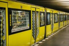 Berlin, le 1er octobre 2017 : Berlin Underground Le train place  Photographie stock libre de droits