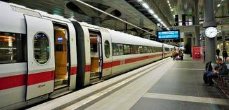 Berlin Main Train Station Platform royaltyfria foton