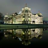 berlin nattreichstag Arkivbild