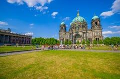 BERLIN NIEMCY, CZERWIEC, - 06, 2015: Różnorodni turists, ludzie i Fotografia Royalty Free