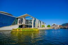 BERLIN NIEMCY, CZERWIEC, - 06, 2015: Wielki widok jeden parlamentów budynki na Berlin, Maria Elisabeth Lueder dom Obraz Royalty Free