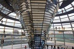 Berlin Niemcy, Maj, - 29, 2014: Reichstag kopuły wnętrze zdjęcia stock