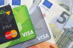 Berlin Niemcy, Wrzesień, - 4, 2017: MasterCard i wizy bank ca zdjęcie stock