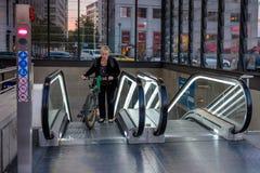 BERLIN NIEMCY, WRZESIEŃ, - 24, 2015: pieniężny okręg z półdupkami Obraz Stock