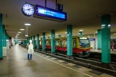 BERLIN NIEMCY, WRZESIEŃ, - 22, 2015: Metro przy Anhalt Fotografia Stock