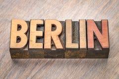 Berlin ordabstrakt begrepp i wood typ Royaltyfri Fotografi