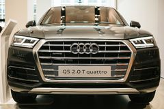 Berlin, Październik 2, 2017: Wolkswagena Grupowy forum - auto przedstawienie w Berlin Prezentacja nowy Audi Q5 quattro w Obrazy Royalty Free